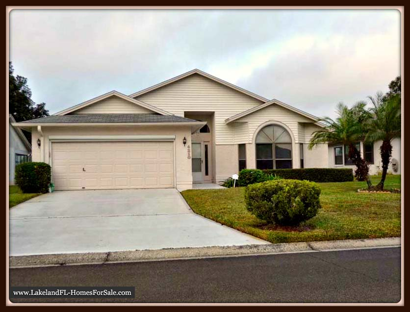 Lakeland FL Home for Sale - 6210 Crane Dr - Front View
