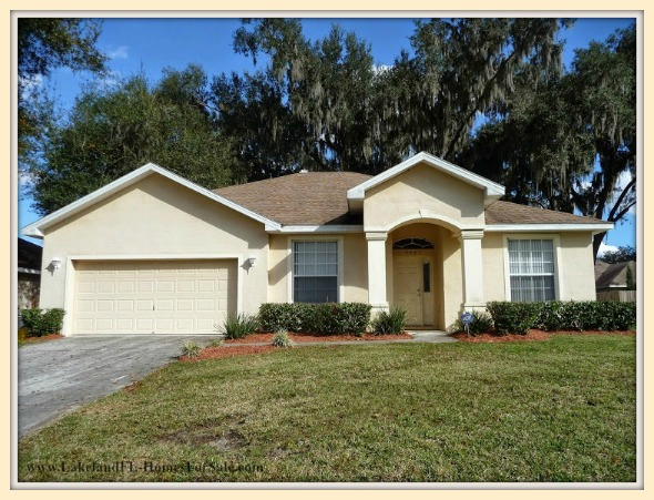 Enjoy the wonderful features that await you in this stunning Lakeland FL home for sale.