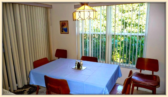 This Sandpiper Golf and Country Club home for sale in Lakeland FL boasts of a formal dining room perfect for any occassion.