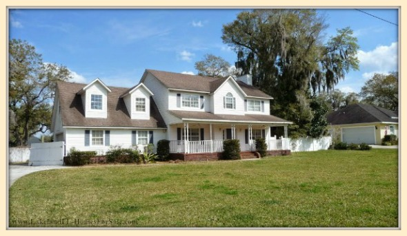 This exquisite 4 bedroom colonial home for sale in Lakeland FL is a dream come true.