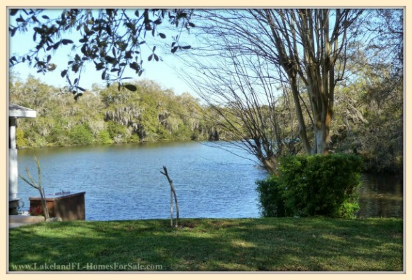This 4 bedroom colonial home for sale in Lakeland FL has access to the lake so you can enjoy fishing and boating altogether.